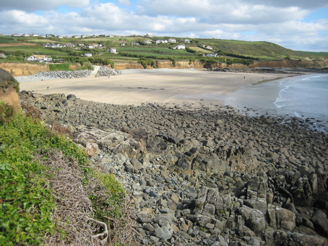 Is Perranuthnoe A Dog Friendly Beach