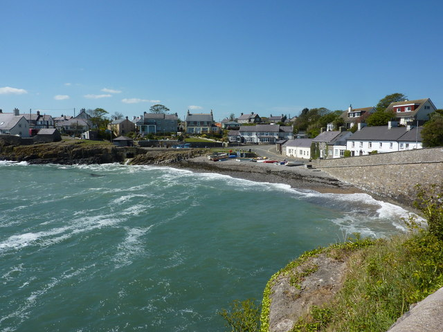 Moelfre Beach Anglesey Uk Beach Guide