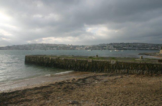 Trefusis Beach at Flushing   Cornwall   UK Beach Guide   640 x 419 jpeg 58kB
