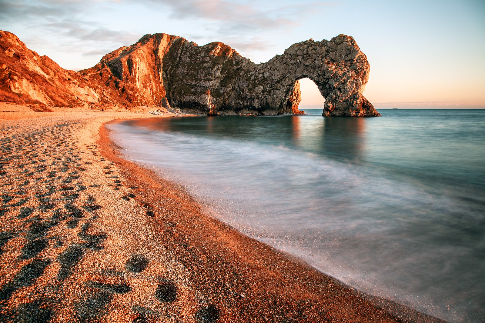 Durdle Door Beach (West)   Dorset   UK Beach Guide