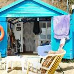 WHAT'S INSIDE YOUR BEACH HUT ?