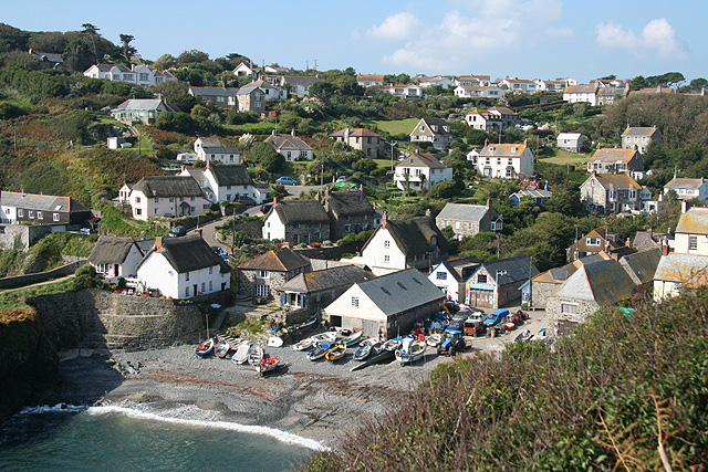 Cadgwith Cove Cornwall Uk Beach Guide